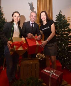 Ob feldmann verpackt weihnachtsgeschenke zugunsten von main for Weihnachtsgeschenke ehefrau